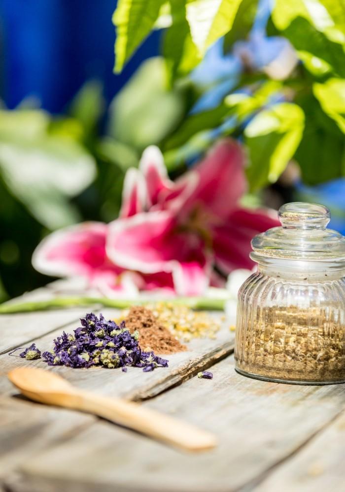 Flores y elementos naturales